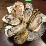 魚とワイン はなたれ The Fish and Oysters - 生牡蠣(三重県の桃取)