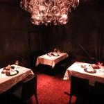 折衷Bar  シヅクトウヤ - 記念日はテーブルも華やかにご用意♪