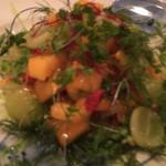 ラ コシーナ デル クアトロ - 柿とマスカットのサラダ