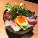 kanzenkoshitsutohonkakuwashokuouka - 海鮮丼