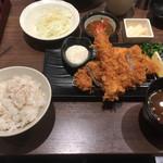 とんかつ 新宿さぼてん - さぼてん定食1680えん税込 麦飯で発注。