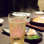 個室居酒屋 燻製工房 - 燻製バーボンソーダ@490円