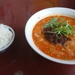 楽 - 担々麺 半ライス