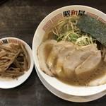 らーめん昭和屋 - 料理写真:らーめん到着!