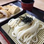 源平うどん - 料理写真:つけ出汁は濃いめの甘め