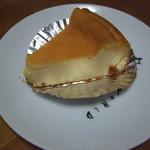 カフェ ピーチェ - チーズケーキ 150円