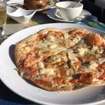 テンラン カフェ - 4種のチーズのピザ