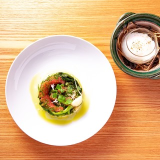 四季折々の旬味を、シェフお任せのコース料理でお楽しみください
