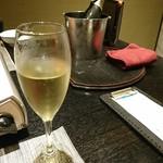 盛楽苑 - スパークリングワイン