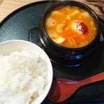 炭火焼肉 韓国苑 - スンドゥブと〆の白ご飯(中)