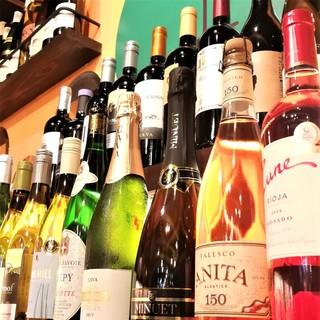 専属ソムリエ厳選のワインを多数ご用意しております。