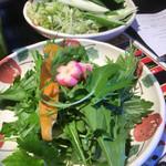 しゃぶ亭 ふふふ - ネギ・大葉・三つ葉などなどとにかく野菜たっぷり!