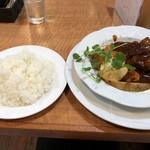 洋食 ぜん - 料理写真:ビーフシチュー1200円  ライス200円