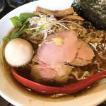 麺処 夏海 - 味玉豊穣清湯醤油ラーメン 手揉み縮れ麺