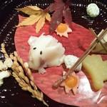 96267872 -  <前 菜> 石垣零余子 小鯛雀寿司 いちょう芋 麩の焼 粉吹銀杏 初稲穂 松葉蕎麦