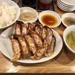 96269487 - 餃子定食