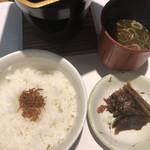 味亭 山崎屋 - ・ご飯           ちりめん飯       ・香の物           瓜奈良漬  かつお牛蒡  味志ば       ・留椀           赤だし