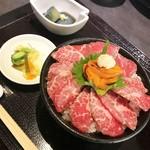 96272657 - 牛刺ウニ丼セット