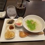 えびす珈琲 - 料理写真:「アイスコーヒー (430円)」+「おかゆモーニング (210円)」