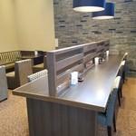 えびす珈琲 - 対面カウンター席