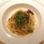 96278987 - 刻み生ハムと紫白菜、軽井沢ルッコラのオイルソースパスタ