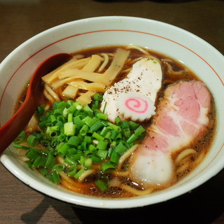 ひのき屋 - 料理写真:高井田ブラックラーメン750円