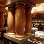 中国料理 「唐宮」  - この柱が素敵です。