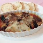 ナスと和牛のラグーとスカモルツァチーズのオーブン焼き
