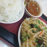 八仙居酒楼 - 肉野菜炒め定食(メシ&おかず大)