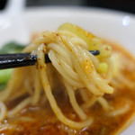 96291357 - 麺リフト  自家製麺はツルっモチっでとても美味