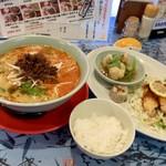 歓歓   - 坦々麺日替わりランチ