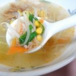 泰江飯店 - トッピングの野菜・アップ