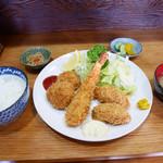食事処かしわくら - 2018/11/11  ミックスフライ定食