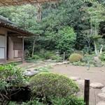 みのわ - 中庭の様子。