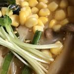信州小麦ラーメン 亀屋  - 味噌やさいらーめんのアップ