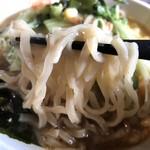 信州小麦ラーメン 亀屋  - 味噌やさいらーめん 麺リフト