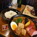 96309597 - 「豚角煮と野菜たっぷり」1300円