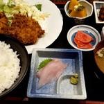 蔵八 - ホタテとヒレカツフライの定食(日替わり定食)
