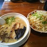 博多らーめん大郷 - 料理写真: