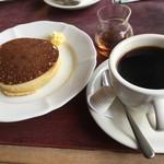 ボン珈琲店 - ドリンクには、14時以降はパンケーキが付きます!