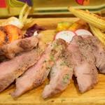 お肉とワインのバルSPAJIO - ベジョータ イベリコ豚ステーキ