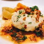 榎本ハンバーグ研究所 - 焦がしチーズのせ和風オニオンソースのハンバーグ