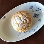 ヤキチ - 料理写真:メロンパン。サクっ、ふわっ、で美味しいです。