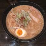 百戦麺磨 鬼武者 - 鬼味噌(味濃いめ、脂多め)