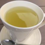 サブマリン - ホットレモネード 250円 熱々でレモンとハチミツが効いて美味しかったです。