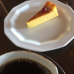 休暇小屋 - パンプキンチーズケーキ