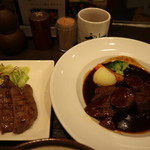 牛たん炭焼き 利久 - 牛たん焼と牛たん赤ワイン煮定食です☆ 2018-1106訪問