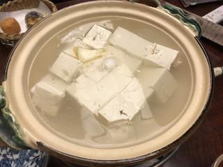 南禅寺 順正 ゆどうふ - 湯豆腐 花(3,090円)の湯豆腐