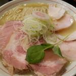 ナマイキ ヌードルズ - 料理写真:鶏塩白湯 チャーシュー増&麺大盛