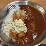 新丸子カレー工房 パルコ - エビフライカレー(大盛)